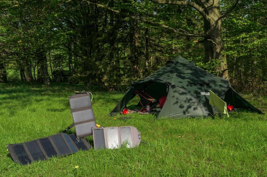 How Do Portable Solar Panels Help With Hunting 7 Ways